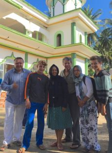 Bolo, Bryce, Leslie, Eric, Natalia and Trent posing in front of the Medana Bay mosque.