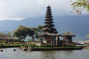 Pura Ulun Danu Bratan - Temple on the Lake
