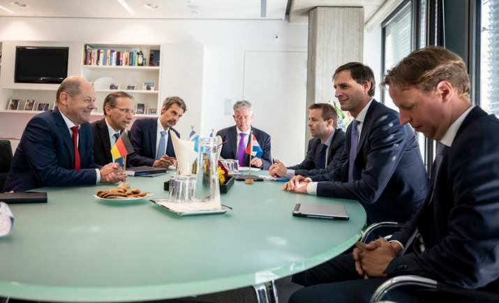 Gesprek minister Scholz en minister Hoekstra