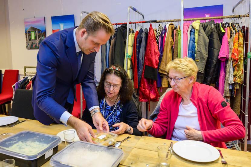 Geloven in Moerwijk 011019007 Verrassende start Week tegen Eenzaamheid in Moerwijk