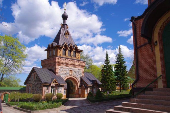 Nonnenkloster in Estland