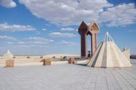 Die Khorkhyt-Ata-Anlage am Rande des Syrdaija-Tals