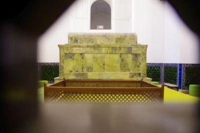 Der Sarkophag von Hodzha Achmed Jassawi in der Gruffana