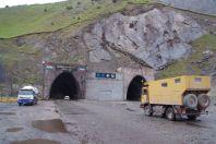 """Der iranische"""" Tunnel Anzob - 5 km ohne Entlüftungssystem"""
