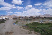 ...ist ein sehr ursprüngliches Pamir-Dorf...