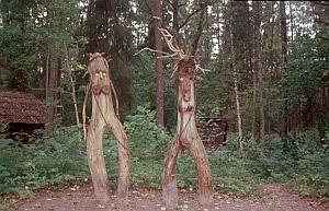 Skulpturen bei den Riezuptes smilsu alas