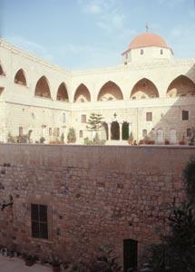 Der Innenhof des St. Georgklosters
