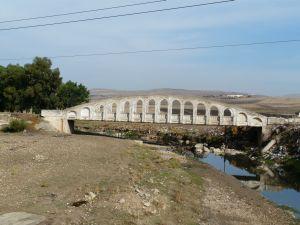 Die alte Straßenbrücke in Beja