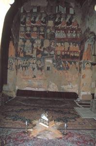 In der Kapelle mit Fresken aus dem 12. Jahrhundert