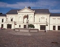 0510_Klaipeda_Aennchen_von_Tharau_Brunnen