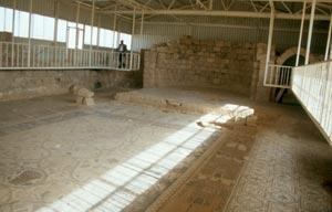 und besonders gut erhaltenden Mosaiken in der Stephanskirche aus dem 8. Jahrhundert