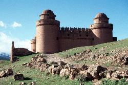 Trutzige Burg hoch über La Calahorra