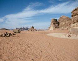 Wüstenparkplatz an den Felsgravuren