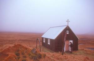 Die typischen kleinen Landkirchen sind...