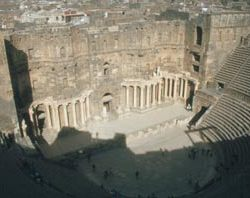 1400_bosra_theater_innenrau