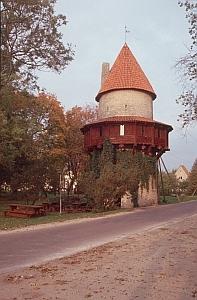 Der Wohnturm von Kiiu