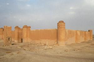 Qasr al-Hair ash Sharqi das größte ehemalige Wüstenschloss mit eigenem Wildgehege ...
