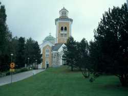 Die größte Holzkirche der Welt steht in Kerimäki