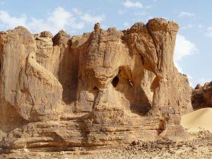 und die Felskammern auf der Rückseite...