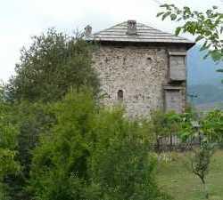 2010_Wehrturm_Bajram_Curri_Albanien 2010