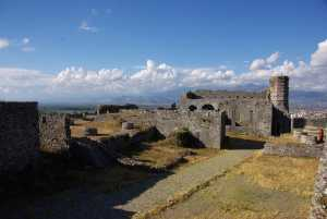 Reste der Festungsgebäude (Kirche)