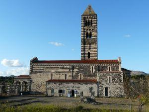pisanisch-romanische Landkirche.