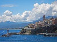 In Bastia legen wir an.