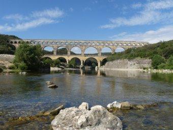 Unser erstes Ziel auf dem französischen Festland ist das römische Aquädukt Pont du Gard aus dem 1. Jahrhundert.