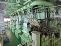 ...die fünf Stromgeneratoren...