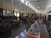Das Großraumbüro der Verwaltung,...
