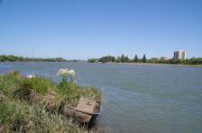 ...und auf das gegenüberliegende Viedma (Provinz Rio Negro)