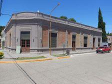 Das alte Lager- und Kaufhaus von 1912 ist heute ein Restaurant.