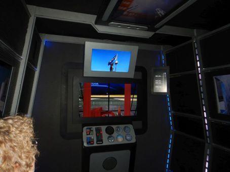 Im Simulator wird dem Besucher eine Bohrung bis in 1290 m Tiefe visualisiert.