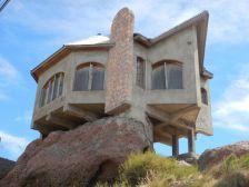 Interessante Architektur - seit 20 Jahren ungenutzt.