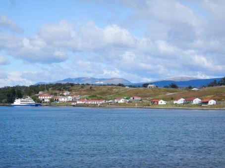 Die Estancia Harberton (1886), die älteste Estancia auf Feuerland, hat seit 1995 keine Schafe mehr sondern nur noch Rinder und Touristen.