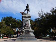 ...und das Magellan-Denkmal...