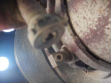 …der Anschlussnippel der Druckluftleitung vom Federspeicher gebrochen.