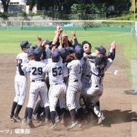 【軟式野球部】ルーキーが3時間超の熱戦制す!逆転勝ちで2年ぶりの春季阿久澤杯優勝!