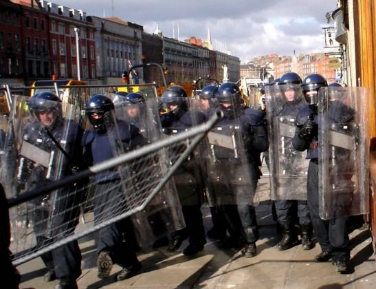 Voldelige demonstrasjoner er ikke tingen – det er nettopp hva Den Nye Verdensordens agenturet vil ha.