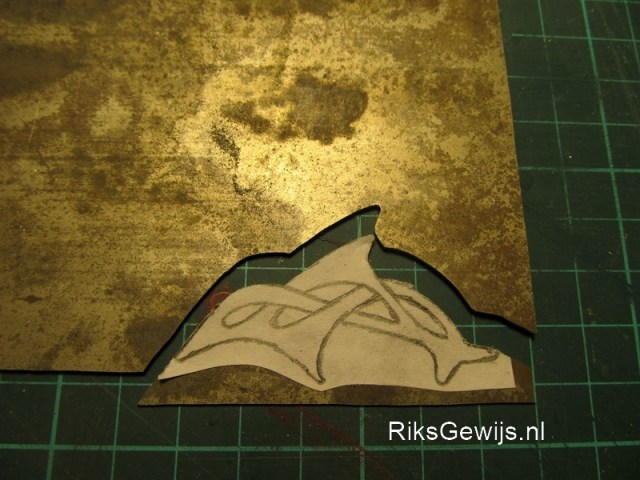Nehallenia als Keltisch design in de vorm van een Dolfijn