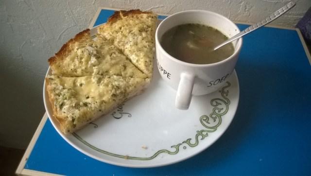 Turksbrood met kaas en uien