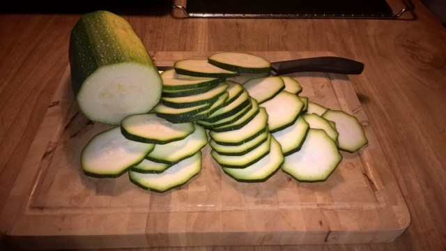 courgette chips snijden