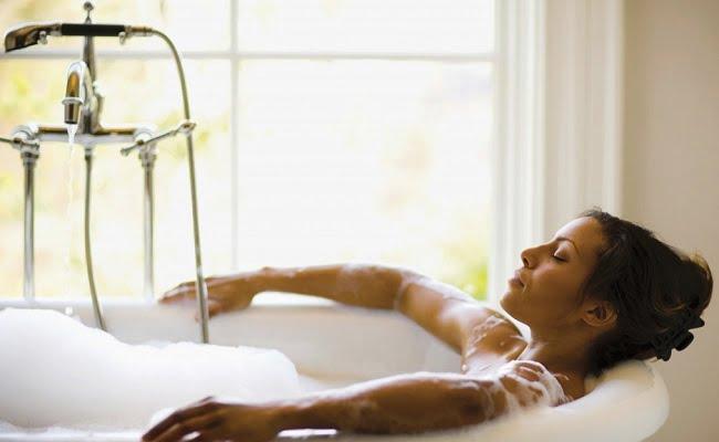 Trucchi della Nonna bagno caldo per mandare via le tossine dal corpo  Rimedi della Nonna