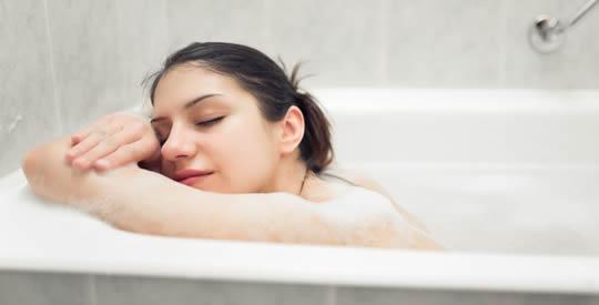 Bagno caldo se fatto cos fa bruciare pi calorie di una camminata di 30 minuti