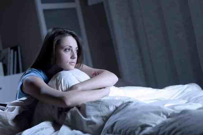Hasil gambar untuk Haus Hingga Stres, Ini 10 Alasan Dirimu Terbangun di Malam Hari