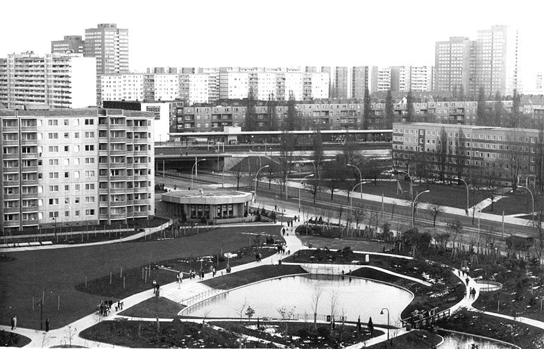 Wo Ernst Thlmann das Dritte Reich grt  Ringbahn