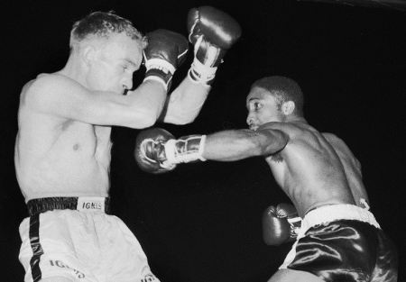 Davey Moore (right) vs. Olli Mäki