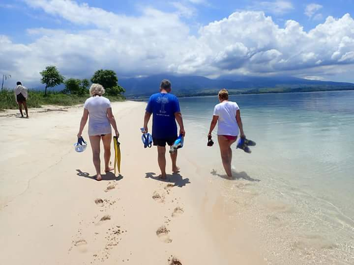White sand in Gili Bidara