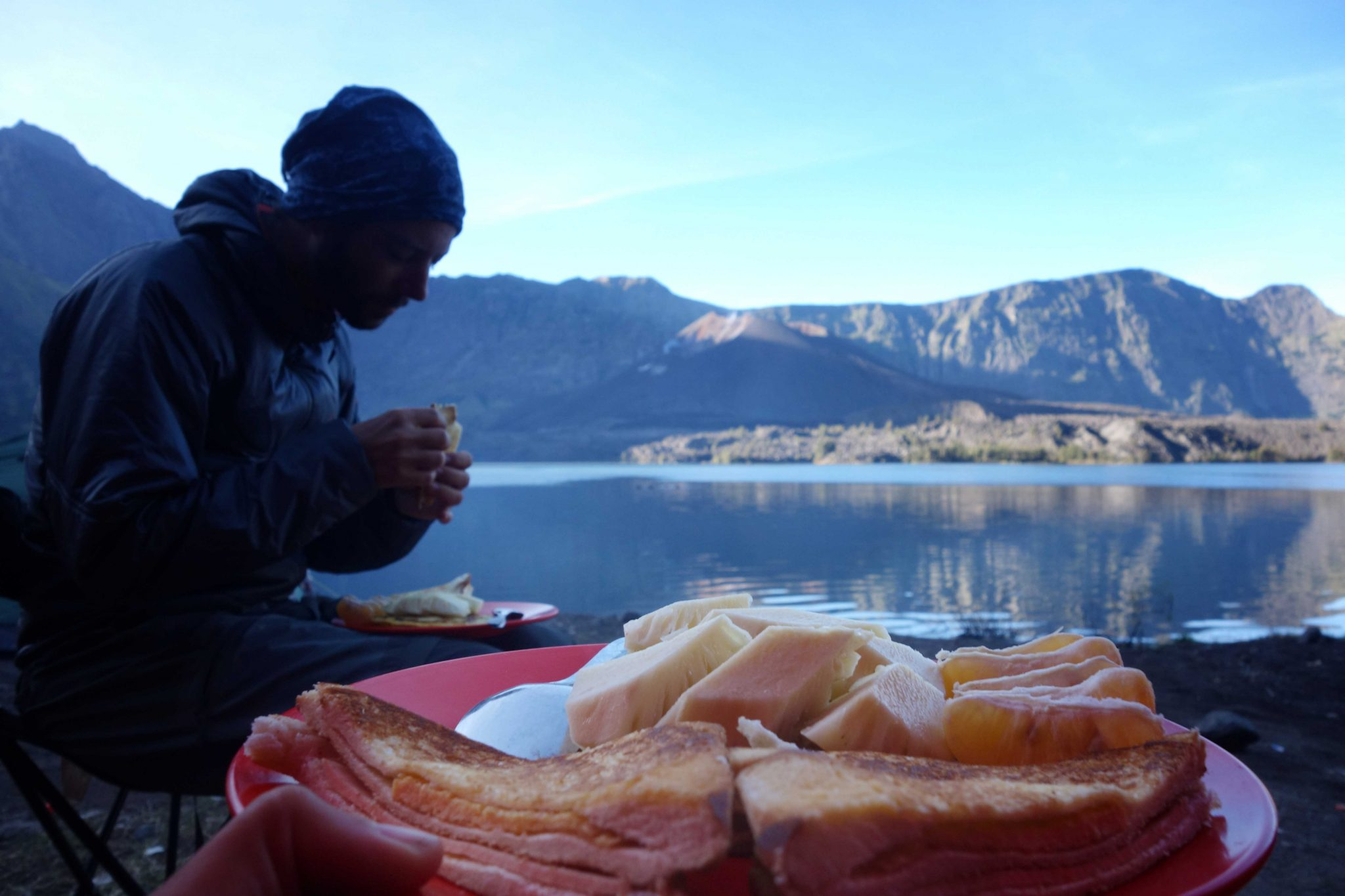 Breakfast in Segara anak lake