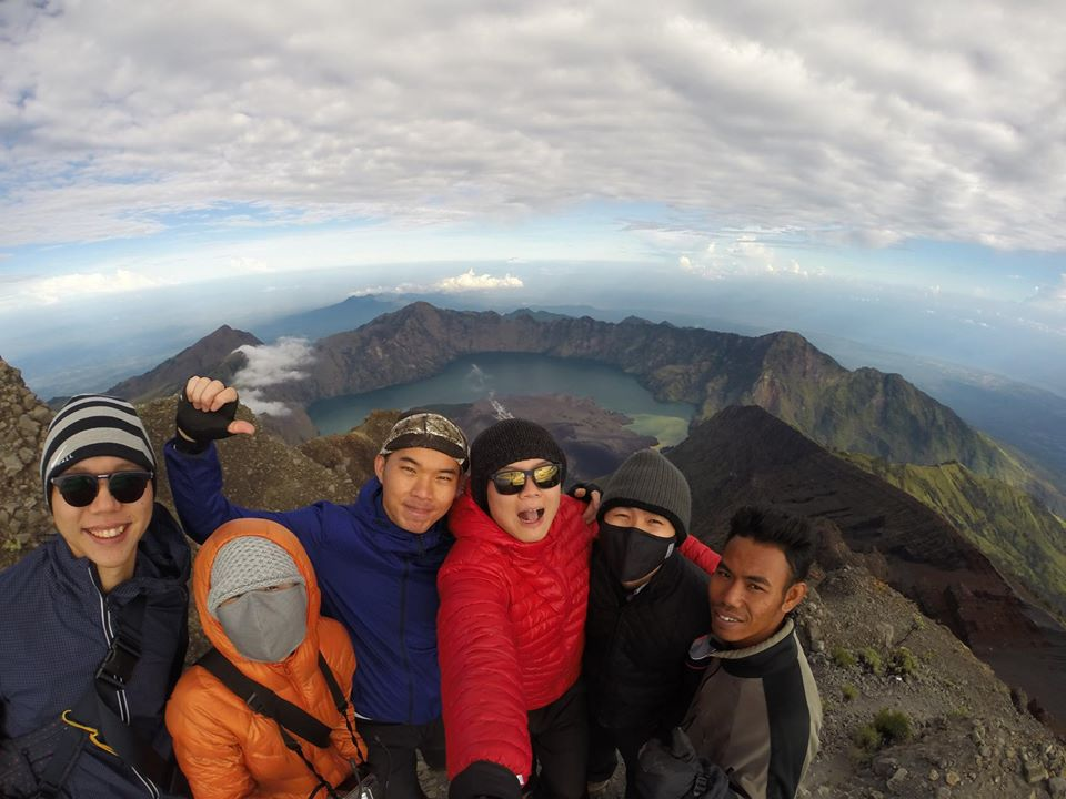 2D1N to Summit Rinjani Package